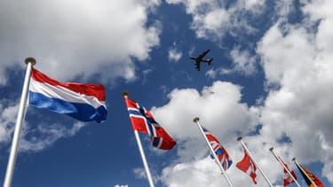 Drapeau norvégien (au centre)