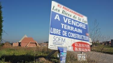 Pour doper la construction de logements en France, un rapport parlementaire préconise une grande loi spécifique sur la fiscalité des terrains à bâtir.
