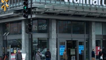 Walmart inquiète les banques traditionnelles.