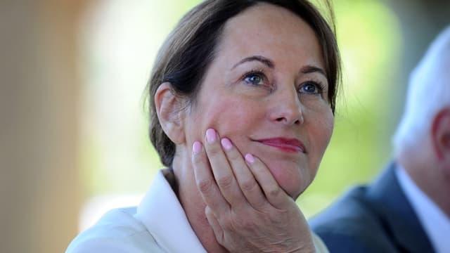 """Ségolène Royal a assuré que la gratuité des autoroutes pour les véhicules électriques était """"en discussion""""."""