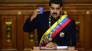 Nicolas Maduro fait face à une crise politique et économique.