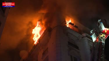 Important incendie dans le XVII arrondissement de Paris. - Pompiers de Paris