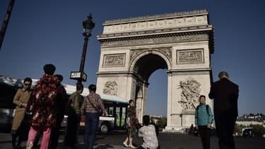 L'Arc de Triomphe, symbole des Champs Élysées.
