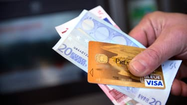 """Le plan d'action de la Commission européenne contre les conséquences économiques de l'épidémie de Covid-19 a abouti """"à aider les banques à se débarrasser des crédits impayés à des tiers, principalement à des sociétés de recouvrement""""."""