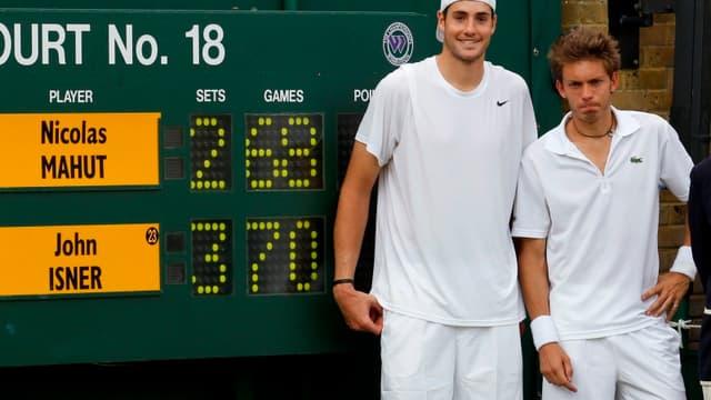 John Isner et Nicolas Mahut après leur épopée héroïque à Wimbledon en 2010.