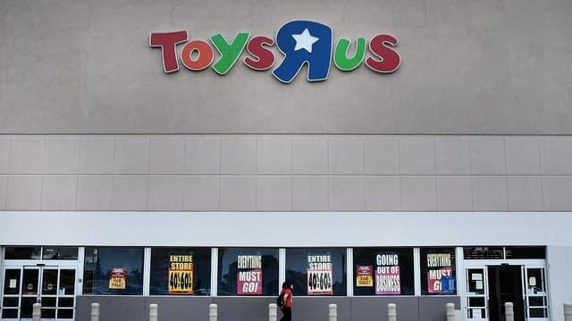 """Sur les """"1167 salariés"""" de Toys'R'Us France, les licenciements """"s'échelonneraient entre 200 et 250, en fonction des offres"""", indiquent les syndicats."""