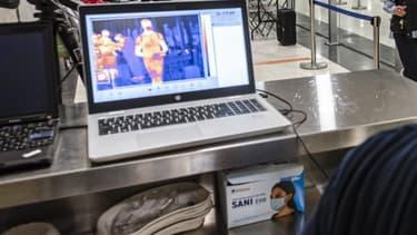 Une caméra thermique utilisée à l'aéroport de Chypre.