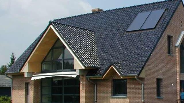 Une maison écologique avec chauffe-eau solaire, dans le Nord de la France
