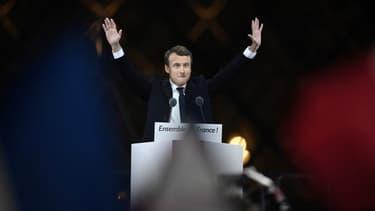 La victoire d'Emmanuel Macron a été saluée partout dans le monde.