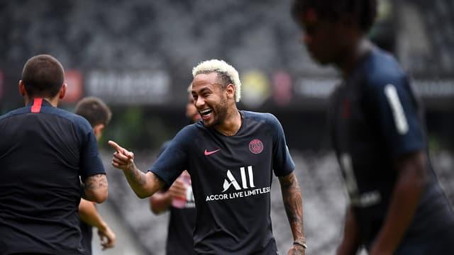 Neymar fait parler de lui en permanence.