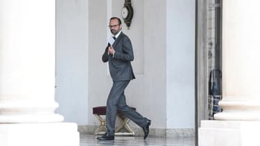 Edouard Philippe reporte au 1er janvier 2019 le prélèvement à la source.
