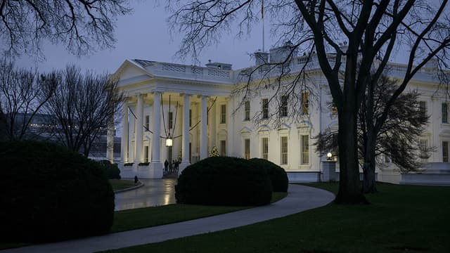 Ivre à 3h du matin, l'homme a mené son drone jusqu'à s'écraser dans les jardins de la Maison Blanche.