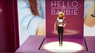 Hello Barbie a des phrases en plus.