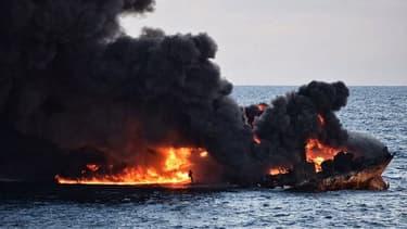 Le pétrolier iranien en feu, le 14 janvier 2018