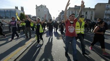 """Des participants à la manifestation des """"Gilets Jaunes"""" à Nancy."""