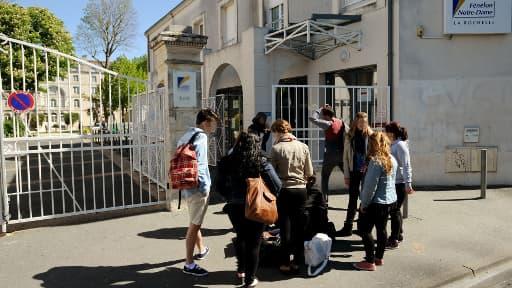 L'entrée du lycée Fenelon à La Rochelle où a été perpétré le viol d'une lycéenne.