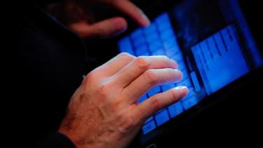 Les Américains changent lentement leurs habitudes sur internet.