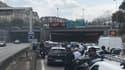 Un incendie s'est déclaré dans le tunnel, sous le Parc des Princes, à Paris.