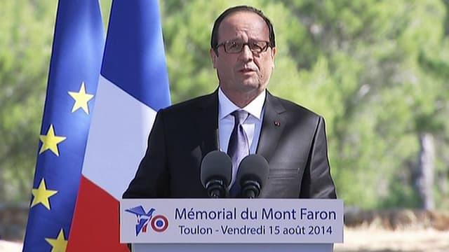 Le président français François Hollande, ce vendredi 15 août au mont Faron, à Toulon.