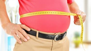 Dans les cas d'obésité extrême, il existe une solution chirurgicale, appelée chirurgie bariatrique.