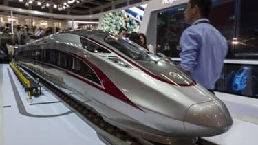 Une maquette du dernier TGV chinois sur le stand CRRC au salon Innotrans, le grand rendez-vous mondial du ferroviaire, à Berlin, en septembre 2018.