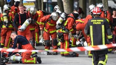 Des pompiers interviennent sur un incendie dans le quartier de la Porte d'Orléans, le 11 juin 2020 à Paris. (photo d'illustration)