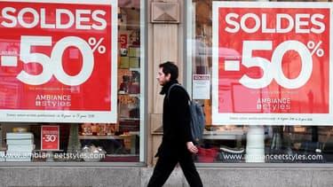 La plupart des associations de commerçants se sont prononcées contre l'avancement de la date des soldes d'hiver pour des raisons pratiques.