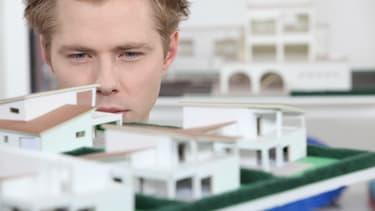 Qui sont les meilleurs employeurs de France dans le secteur immobilier ? Une étude réalisée par Capital et l'institut Statista a passé au crible 2.100 entreprises de plus de 500 salariés.