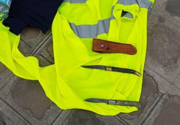 Des couteaux trouvés en amont de la manifestation parisienne des gilets jaunes