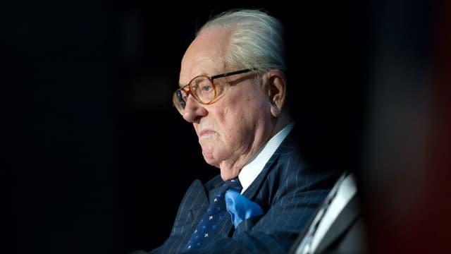 Jean-Marie Le Pen fête des 90 ans à l'hôpital.