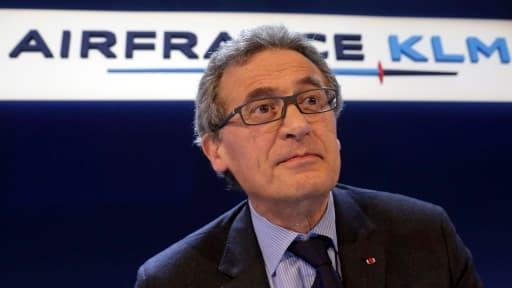Au micro de Mathieu Sévin, le PDG d'Air France-KLM, Jean-Cyril Spinetta, a annoncé la poursuite de la restructuration du groupe, mais reste prudent sur les objectifs.
