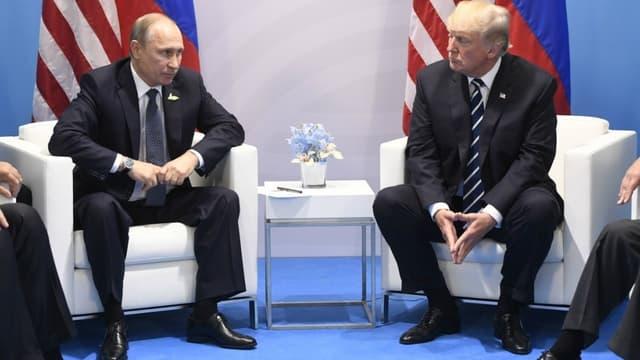 Vladimir Poutine et Donald Trump lors du G20 à Hambourg en juillet 2017;
