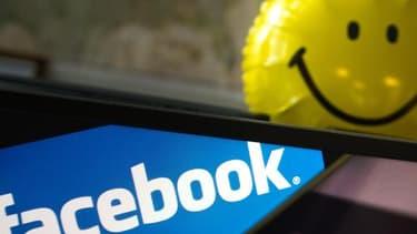 Facebook se met aux hashtag