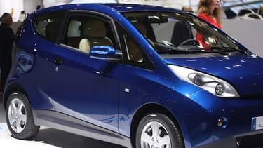La Bluecar, la voiture 100% électrique produite par Bolloré, sera bientôt disponible en auto-partage à Lyon.