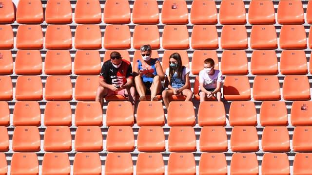 Des spectateurs dans un stade