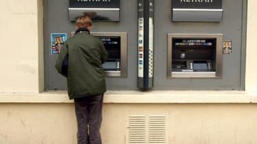 A partir du 1er janvier, BNP Paribas et Société générale factureront des frais de tenue de compte à leurs clients.