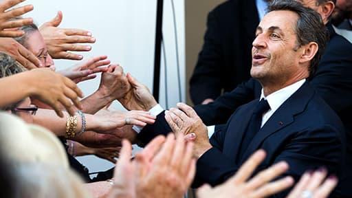"""""""J'ai trouvé que c'était à la fois gonflé et bien joué"""", c'est l'analyse du retour de Sarkozy sur BFMTV par le politologue Roland Cayrol."""