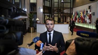 Emmanuel Macron à la sortie de la réunion extraordinaire du Conseil européen mercredi soir.