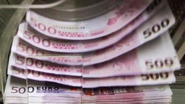 La dette publique de la France a augmenté de 72,4 milliards d'euros au premier trimestre pour atteindre 1.789,4 milliards fin mars, soit 89,3% du PIB. /Photo d'archives/REUTERS/Thierry Roge