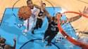 Kevin Durant score face à Tim Duncan
