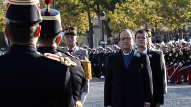 François Hollande et Manuel Valls, assistant aux célébrations du 11-Novembre.