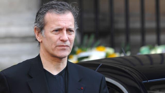 """Francis Huster raconte dans l'édition de cette semaine de Paris Match son """"coup de foudre"""" pour la jeune Gaia Weiss."""