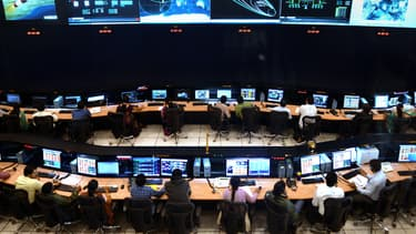 A Bangalore, des scientifiques indiens surveillent le bon déroulement de la mission MOM (Mars Mission Orbiter).