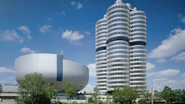 Cette année encore, BMW est l'entreprise du secteur automobile la plus réputée dans le monde. Ici, le siège du groupe BMW à Munich.