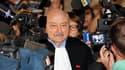 Arrivée de Georges Kiejman, avocat de Jacques Chirac, au tribunal de Paris. Le parquet a accepté l'excuse médicale de l'ancien président de la République à son procès pour détournement de fonds publics. /Photo prise le 5 septembre 2011/ REUTERS/Charles Pl