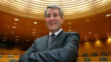 Philippe Richert, président du Conseil régional d'Alsace, défend le projet expérimental d'unifier région et départements.