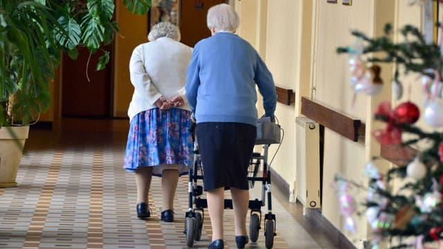 """Seuls 47% des plus de 65 ans pensent que l'on peut se sentir """"utile"""" en maison de retraite."""