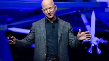 Au premier trimestre, le géant du e-commerce a engrangé 75,5 milliards de dollars de chiffre d'affaires, en hausse de 26% sur un an.