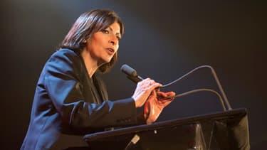 Après deux mandats en tant que première adjointe, Anne Hidalgo est devenue la première femme maire de Paris.