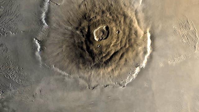 Au sommet du dôme de Tharsis: le Mont Olympe